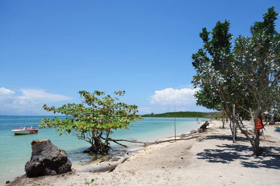 Cowrie Island - Honda Bay tour do it yourself