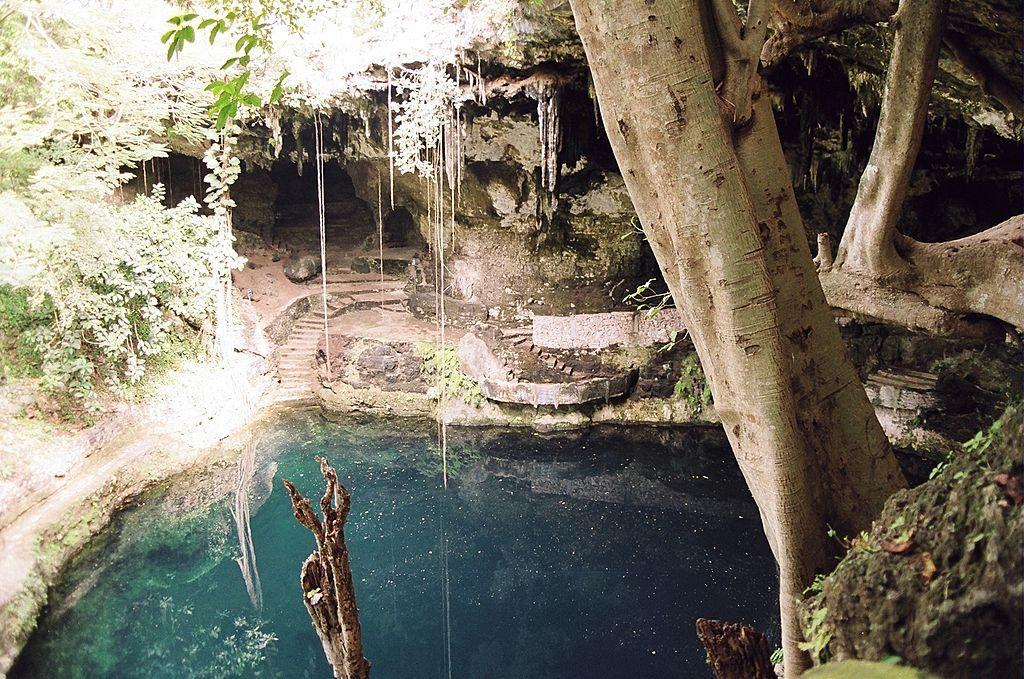 Cenote Valladolid, Zaci, Yucatan