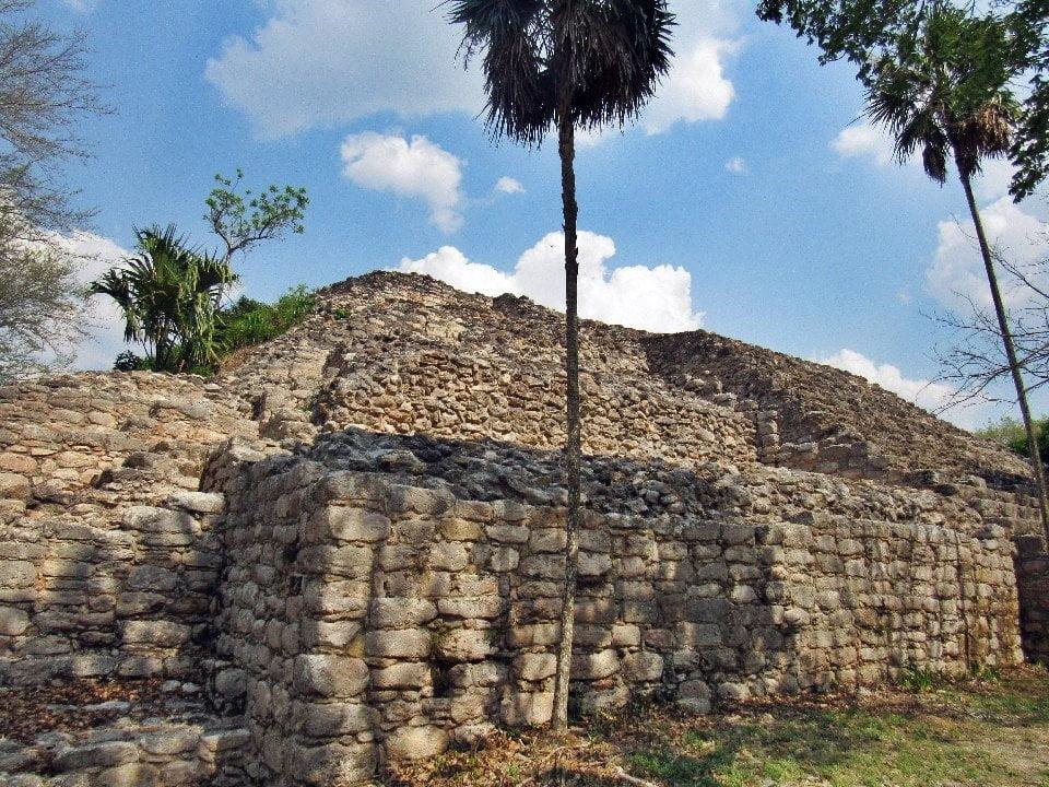 Itzmatul Pyramid, Izamal, Yucatan, Mexico