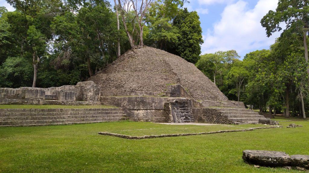 Maya ruins, pyramid, Caracol, Belize