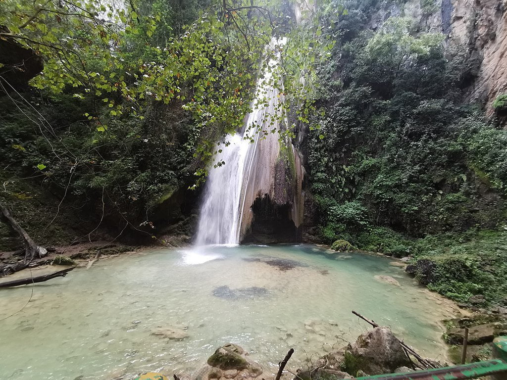 Chuveje Waterfall, Queretaro